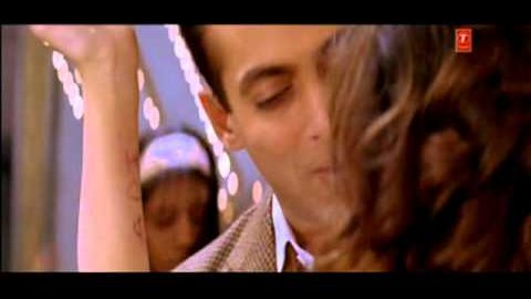 Aake Bharlo Bajuo Mein Lyrics - Lucky: No Time for Love